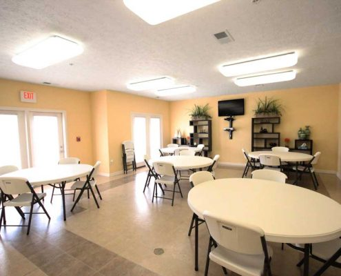 Broadstone Pointe Senior Apartments Community Dining Area