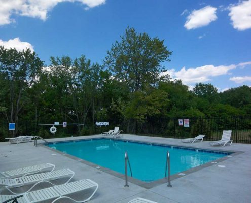 Lynhurst Park Apartments Pool